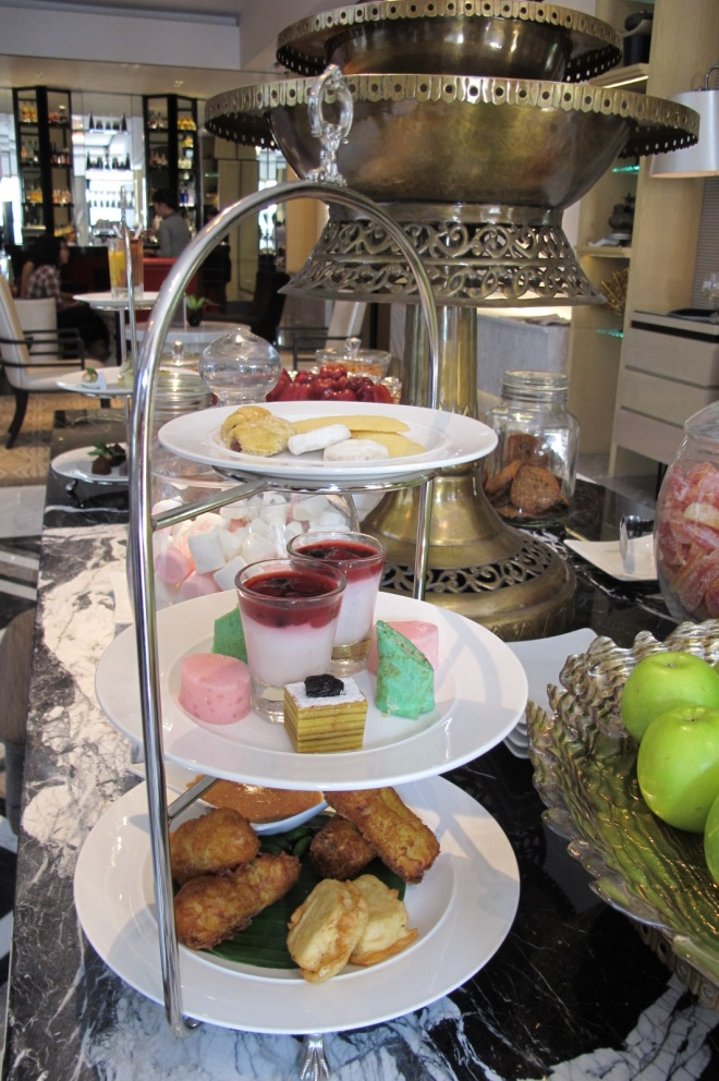 indonesian traditional high tea