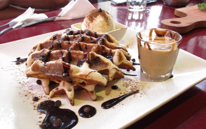 Rocky Road Waffle - Roastwoods Jakarta